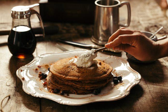 Patelnia do pancakes ułatwi śniadanie
