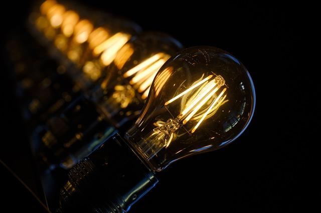Lampy techniczne – co to jest i gdzie je stosować?